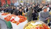 vista previa del artículo Agricultores reparten comida gratuita como modo de protesta